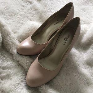 Liz Claiborne Nude Dress Heels